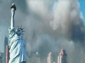 9・11の悲劇を味わったアメリカ。 悲しむ「自由の女神像」 http://www.vosizneias.com/wp-content/uploads/2010/05/sad4.jpg